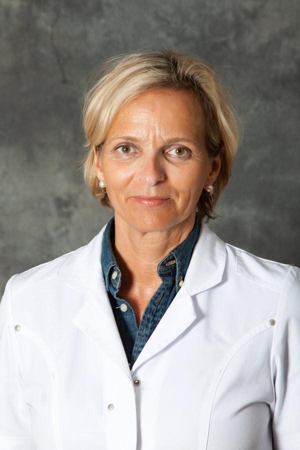 Dr P. Roumans